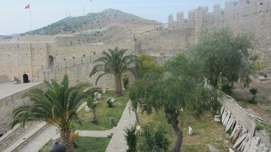 Cesme Castle: Интерьер