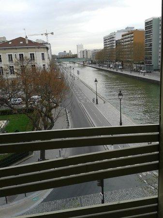Holiday Inn Express Paris-Canal de la Villette : Zimmeraussicht