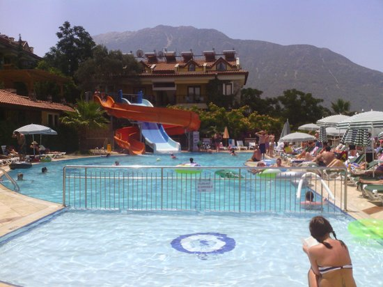 Perdikia Hill: view from quiet pool