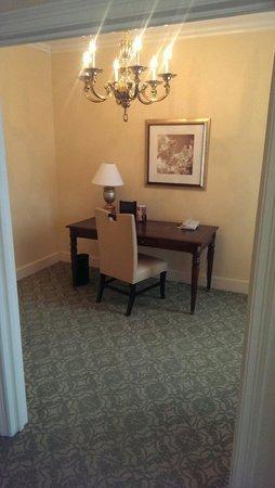 Omni Shoreham Hotel: Room 240 office