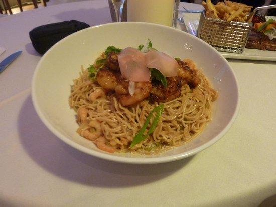 La Plancha : Giant Shrimp Thai Noodles