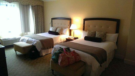 Omni Shoreham Hotel: Room 240 bedroom