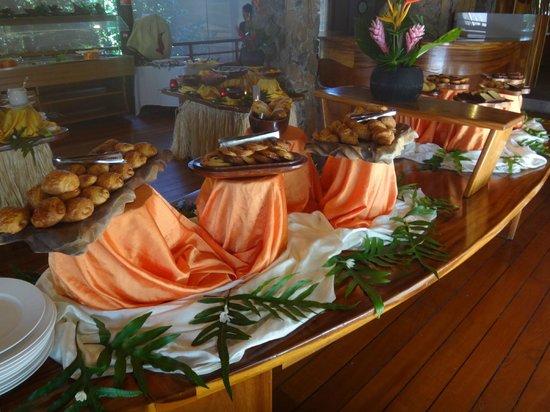 Le Taha'a Island Resort & Spa : Buffet Breakfast Selection