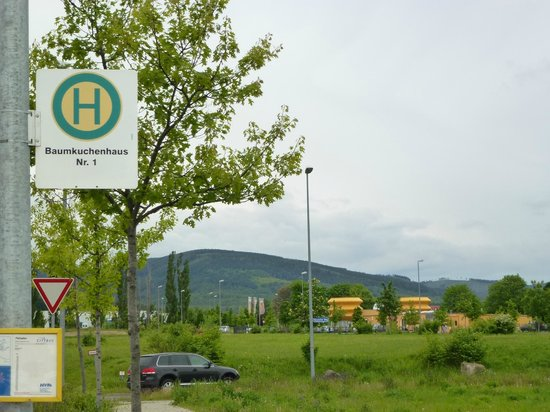 "Bushaltestelle ""Baumkuchenhaus Nr.1"""
