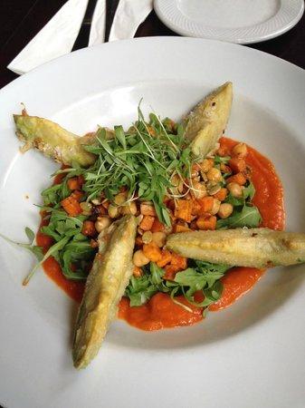 Beau Monde : avocado tempura salad
