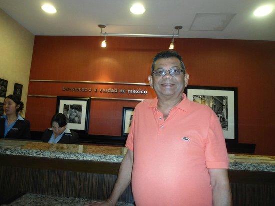 Hampton Inn & Suites Mexico City - Centro Historico: REcepcion del Hotel Hampton