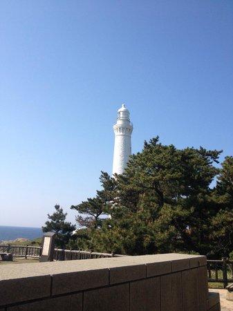 Izumo Hinomisaki Lighthouse: 白亜の美しい灯台です。