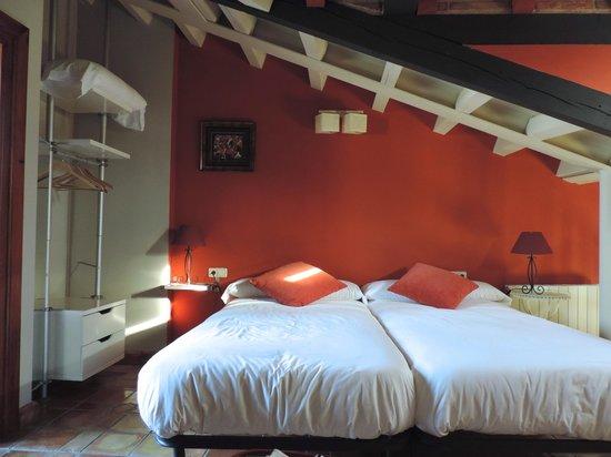 Apartamentos Senorio de Haro : Diseño y confort en sus habitaciones