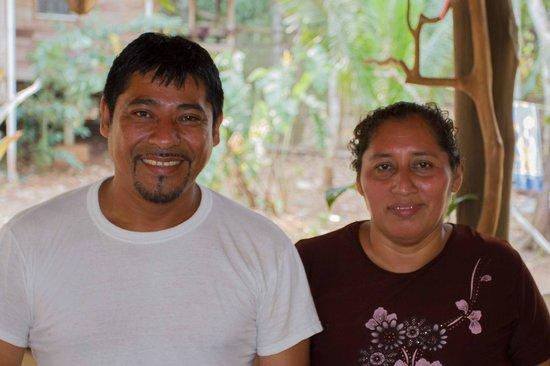 Moonracer Farm Lodging & Tours : Betreiberehepaar Julio und Janet