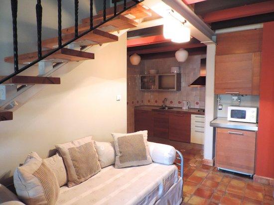 Apartamentos Señorío de Haro: Cocina equipada para disfrutar de la gastronomía local