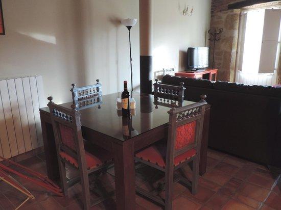 Apartamentos Señorío de Haro: Salón comedor con encanto