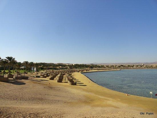 Jaz Lamaya Resort: Beach