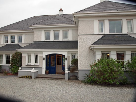 Killarney Lodge : Front of Lodge from Countess Road