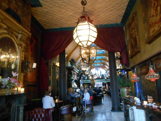 Cafe en Seine : Interiores