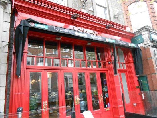 Cafe en Seine : Fachada