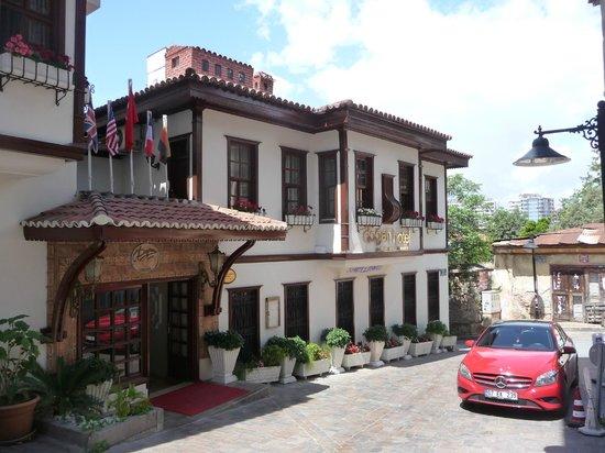 Dogan Hotel: Außenansicht...