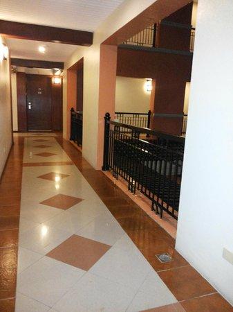 Ormoc Villa Hotel: Hallway
