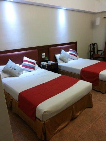 Ormoc Villa Hotel: Bedroom