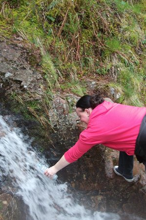 Steall Waterfall: Drinking fresh mountain water