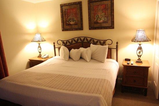 Blue Heron Beach Resort: Master Bedroom