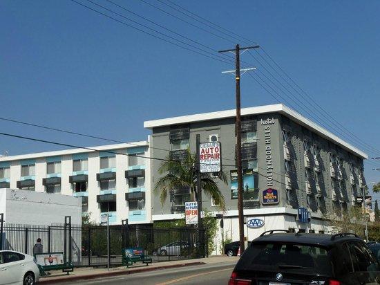 Best Western Plus Hollywood Hills Hotel : hotel fuori