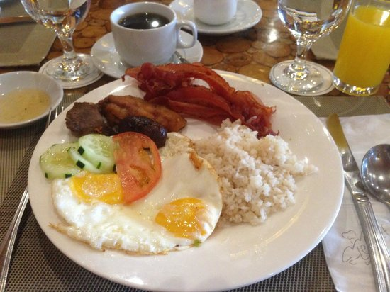 The Manor at Camp John Hay: buffet breakfast