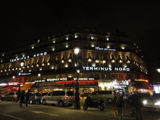 Mercure Paris Terminus Nord : 北駅を出ると正面です