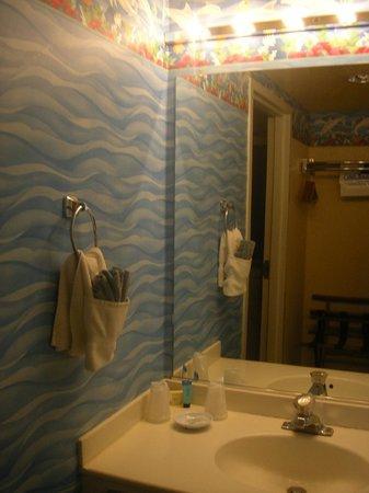 Blue Sail Inn: bagno