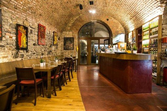 Magnum Club & Restaurant: Magnum restaurant