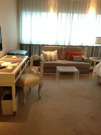 Lanson Place Hotel: Sitting area