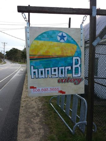 Hangar B Eatery: Hangar B