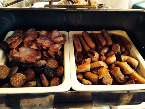 Dunraven Arms Hotel: Variety of sausages