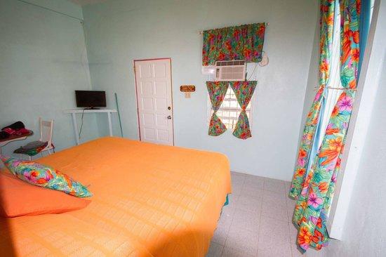 Barefoot Beach Belize: Zimmer