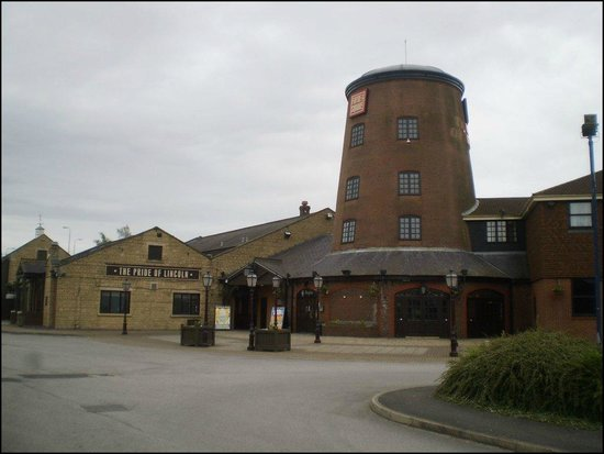The Pride of Lincoln: Hotel  Building