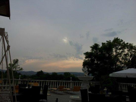 Hotel Borgo dei Poeti Wellness Resort : Panorama dalla terrazza