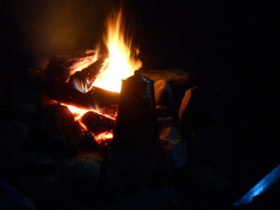 RoundStone Camping Resort: coffee on an open fire