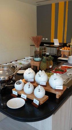 ibis Hua Hin: Continental breakfast buffet