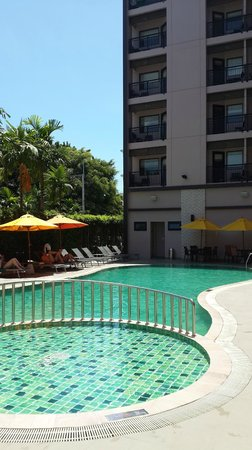 ibis Hua Hin: Swimming-pool