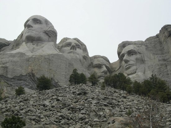 Mount Rushmore National Memorial : Four amazing men