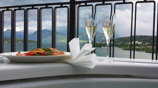 Art Deco Hotel Montana Luzern: séjour superbe chambre magnifique avec jacuzzi