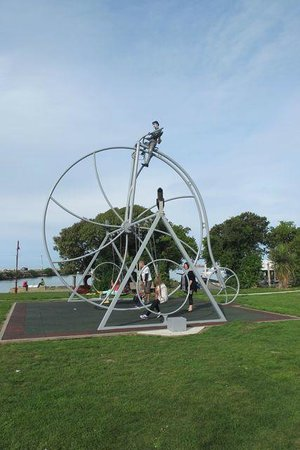 Oamaru's Victorian Precinct: Park next to Historic zone