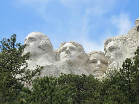 Mount Rushmore National Memorial : Land of the Free and Home of the Brave!