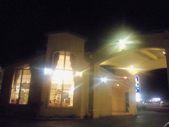 Best Western China Lake Inn: esterno hotel