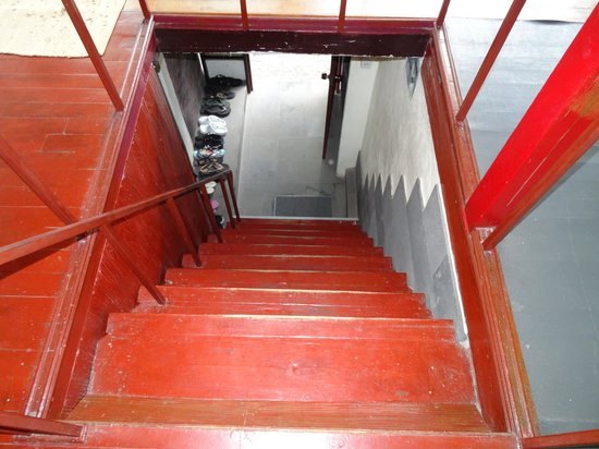 Phi Phi Dream Guest-House : Treppe zum Hotel