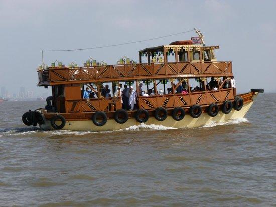 Cochin Ayurveda Centre: bateau navette bombey ile elephanta