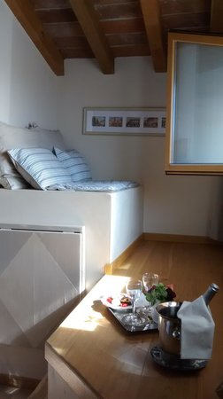 Massoni Bed & Breakfast : Quarto amplo e charmoso. Com vista!