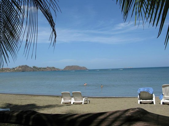 Bahia del Sol Beach Front Boutique Hotel: Strand vor dem Hotel