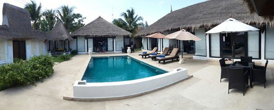 Dhevan Dara Resort & Spa Hotel : private pool in the 3 bedrooms villa