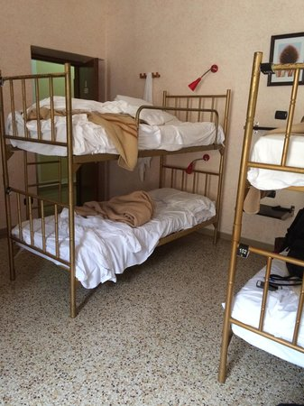 Hostel Archi Rossi: beds