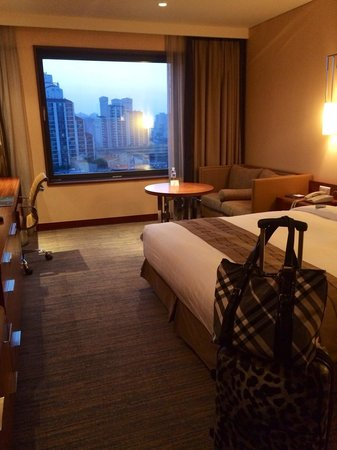 Novotel Ambassador Doksan, Seoul: Clean and comfortable room.